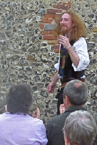 The Talesman recieves a round of applause at Romsey Beggars Fair